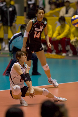061104world_volley2_blog